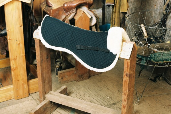 sheepskin saddle pad with black quilting